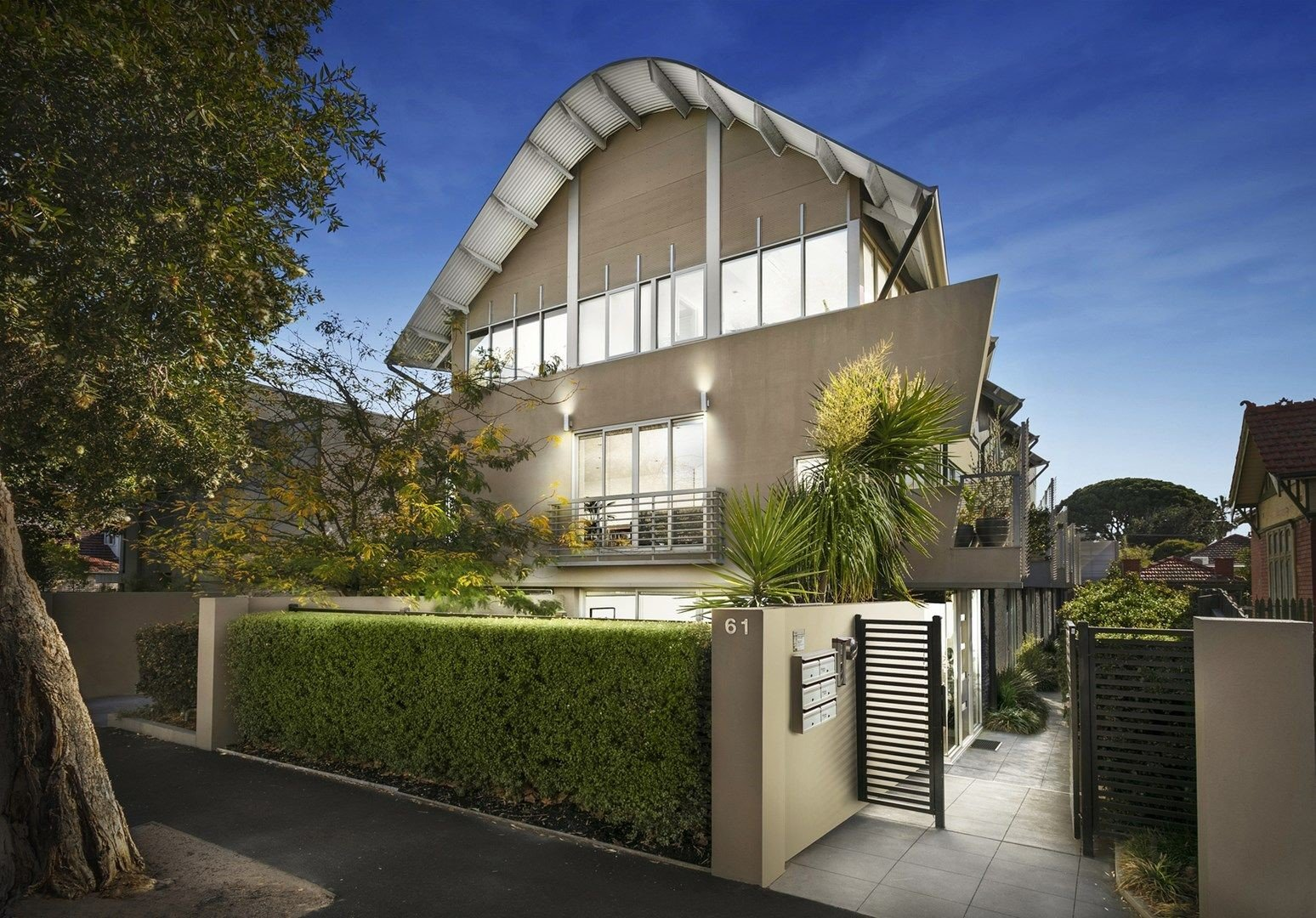 Peter V. - Committee Member, Glenferrie Road, Hawthorn – Melbourne, Victoria 3183
